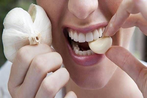 Tedd a fokhagymát a szádba, és tartsd ott 30 percig. Az eredmény hihetetlen! - Tudasfaja.com