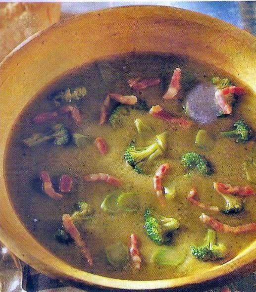 Broccoliroomsoep met spekjes.