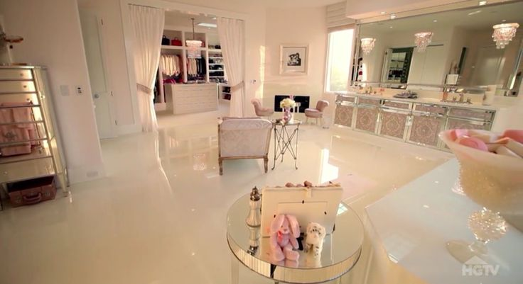 Villa Rosa - Master powder room - Lisa Vanderpump home