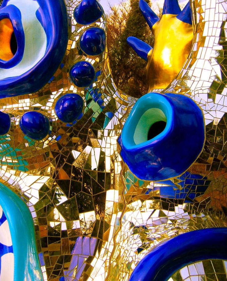 Leisa Rich photo- Niki de Saint Phalle mosaic at the Atlanta Botanical Gardens