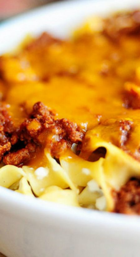 Sour Cream Noodle Bake ~ Pioneer Woman's Recipes... Layers of deliciousness!