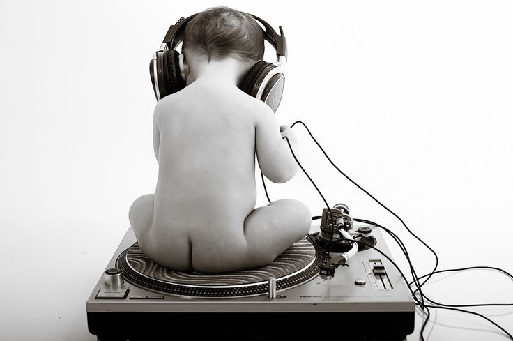 Who knew my baby would be a Dj!?? Gotta love that Music!!!!!  Turntables Wallpaper | baby dj, baby, dj, headphones, turntable