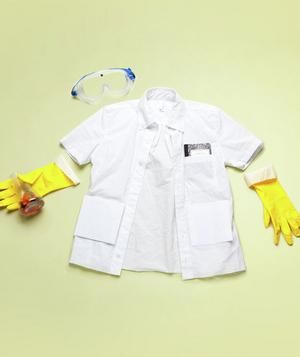 Kids Scientist's Coat DIY Dress up your kids in fun costumes you make with everyday household items.