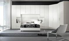 chambre à coucher design avec paroi noire