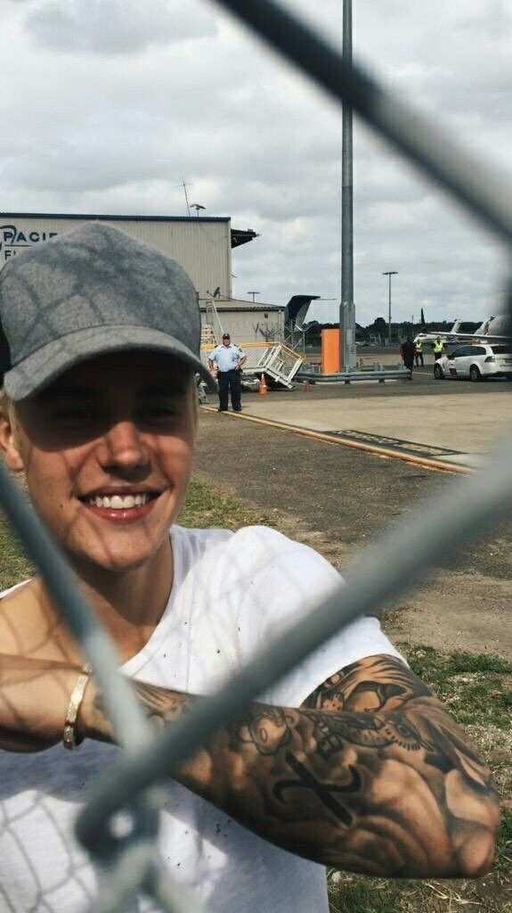 Omg, I will meet him... That's my dream and Justin said that you should follow your dreams, so meaby?