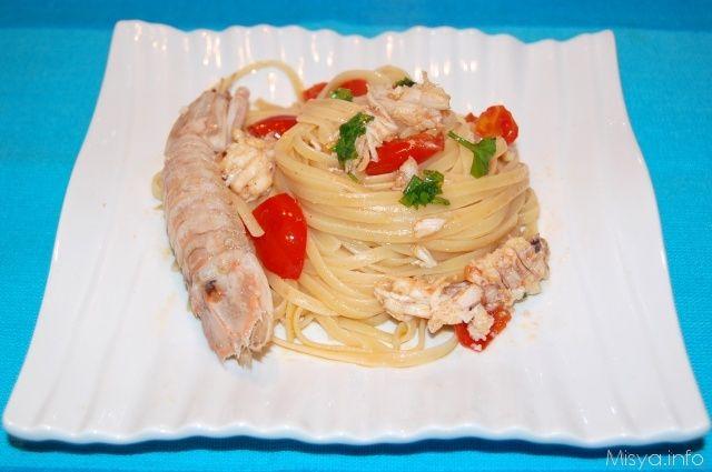 Linguine con le cicale di mare. Scopri la ricetta: http://www.misya.info/2012/12/29/linguine-con-le-cicale-di-mare.htm