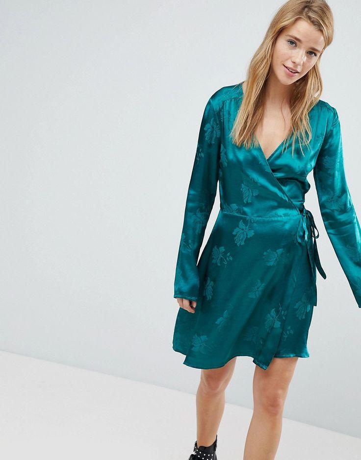Pimkie - Kleid mit Wickeldesign vorn - Grün Jetzt bestellen unter: https://mode.ladendirekt.de/damen/bekleidung/kleider/sonstige-kleider/?uid=493b4a05-be9b-57eb-8ba9-48f18b44e204&utm_source=pinterest&utm_medium=pin&utm_campaign=boards #sonstigekleider #freizeitkleider #kleider #female #bekleidung
