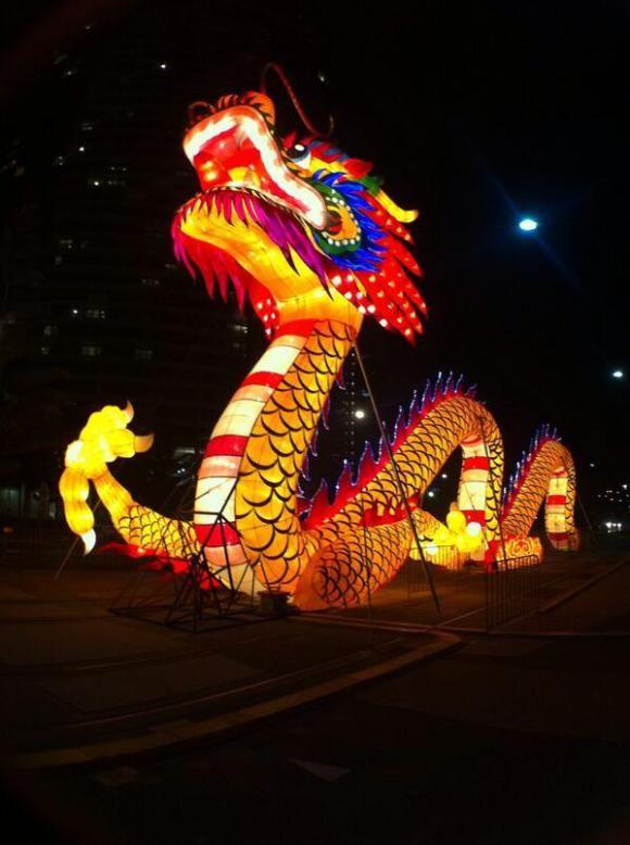 Docklands dragon - Localing Melbourne