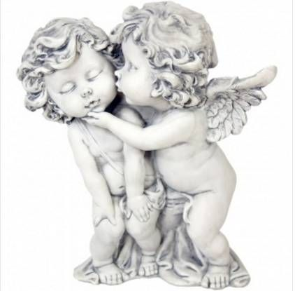 Líbající se andílci