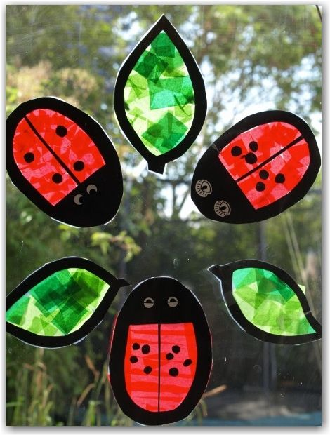 Ladybird stained glass window for preschool and kindergarten. #animalcraft #kidscraft