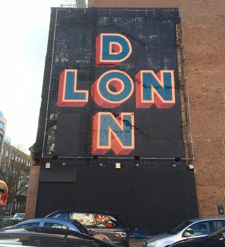 An alternative view of the new 'London' wall in Clerkenwell by @gary_stranger organised by us.  #globalstreetart by globalstreetart