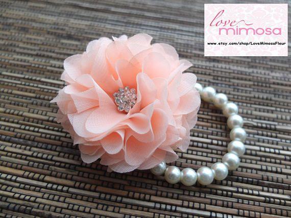 Da polso Corsage, bouquet di fiori di Chiffon (Coral / Peach), Corpetto nuziale corallo, corpetto Peach Rose di Chiffon