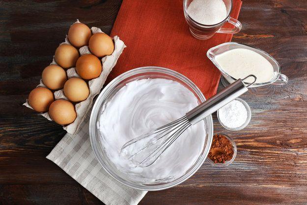 Все, что нужно знать, прежде чем взбить яичные белки