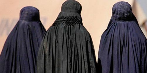 Cronaca: #Perugia  #espulsa una marocchina di 44 anni | Era vicina allIsis  poteva agire in... (link: http://ift.tt/2cAHTOM )