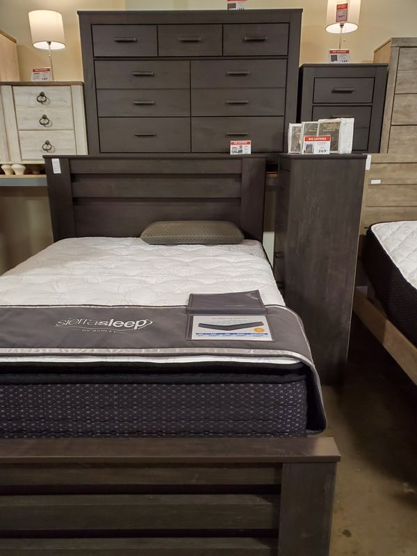 Queen Bed Frame Rustic Black For Sale In Santa Ana Ca Offerup Queen Bed Frame Bed Frame Queen Beds Queen bed frame for sale