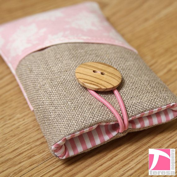 iPhone 4 case /  iPod sleeve / cell phone by TeresaNogueira, €11.00