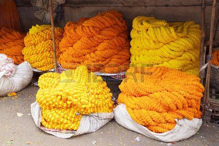 Guirlandes à Vendre Au Marché Aux Fleurs à Kolkata, West Bengal,