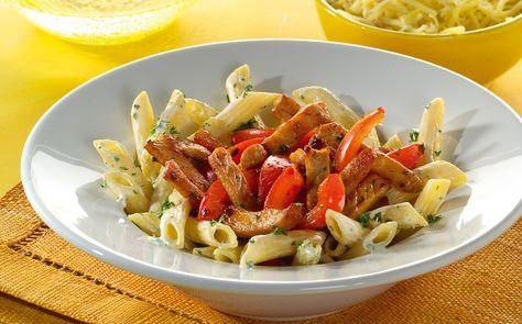 Romige Italiaanse pasta met filetlapjes, weer eens wat anders dan een gehaktsausje met pasta, daarom deze heerlijke pasta met filetlapjes en tomaat.