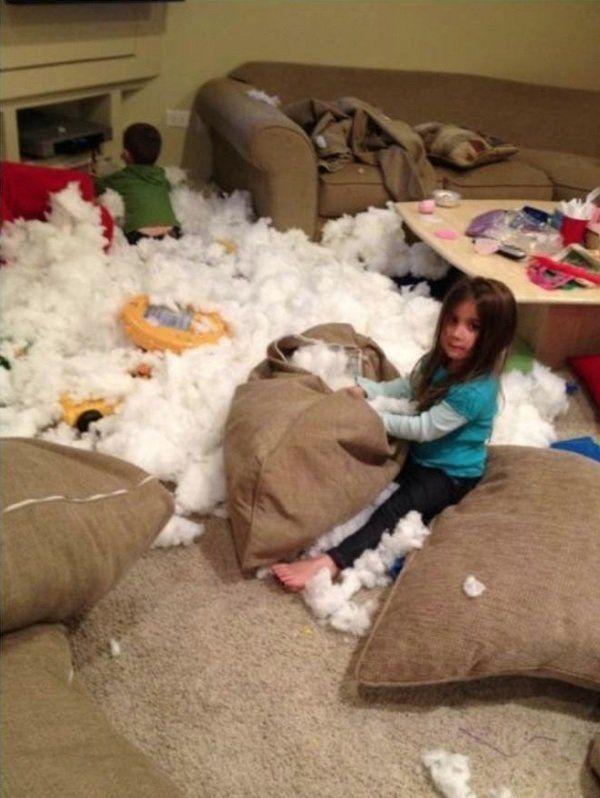 Esto es lo que sucede si dejamos por un momento a los niños pequeños…¡Unas carcajadas garantizadas!