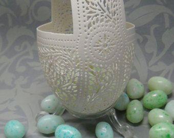 Hand Carved Victorian Lace Goose Egg Basket