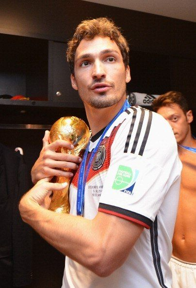 Mats Hummels isn't sharing....then theres ozil being awesome in the back per usual