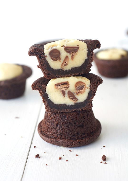 chocOlate chip cookie dough filled chocolate cookie cups