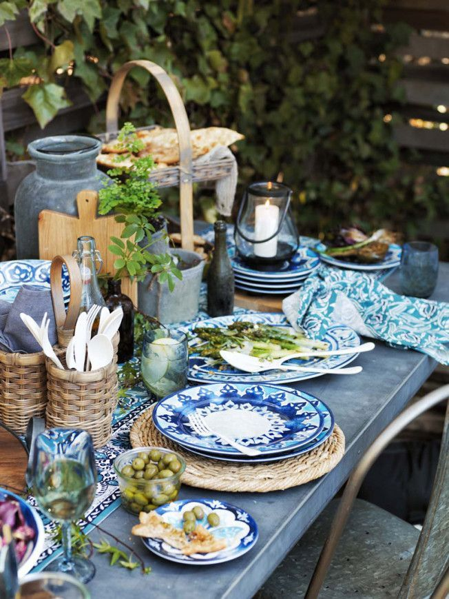 1172 best entertaining ideas party decor images on pinterest Outdoor dinner table setting