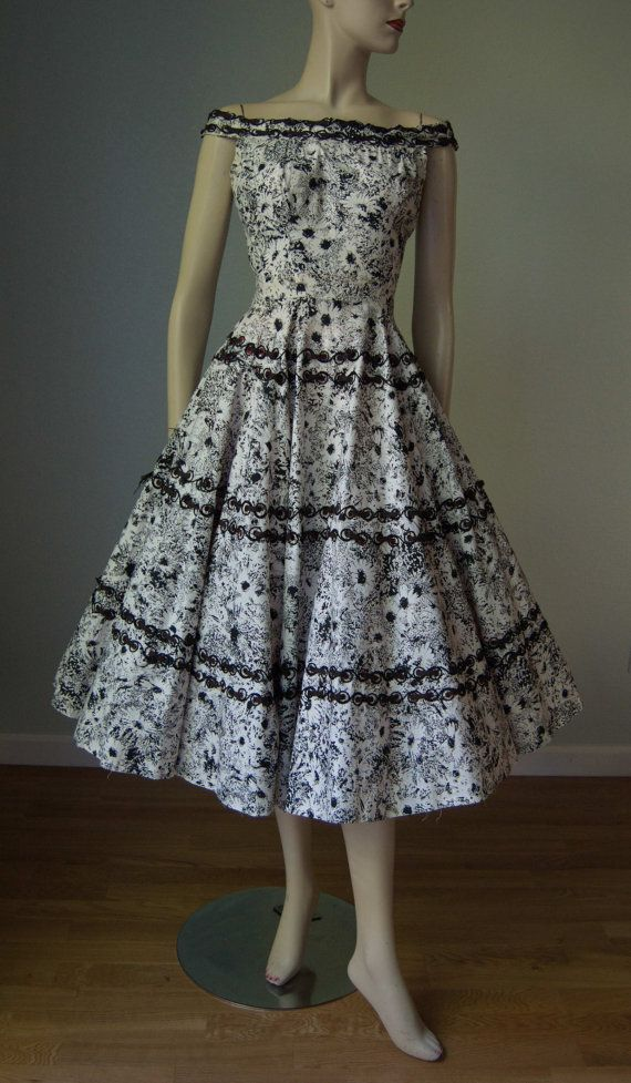 1950s Black and White Cotton Daisy Print New by KittyGirlVintage
