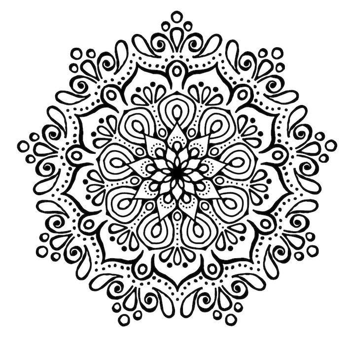 Blumen Vorlagen Zum Ausdrucken Eine Grosse Mandala Figur Mit Einer Weissen Blume Und Mit Vielen Klei Mandala Blumen Mandala Blumen Tattoo Mandala Zum Ausdrucken