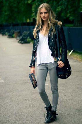 買う前に知っておきたいライダースジャケットのサイズ選びとおしゃれな着こなし♡ - NAVER まとめ