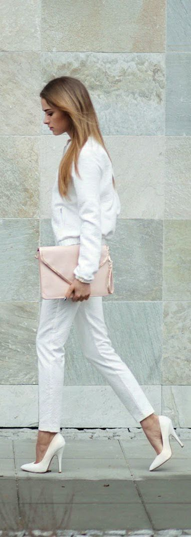 #street #style / all white knit + pink envelope clutch