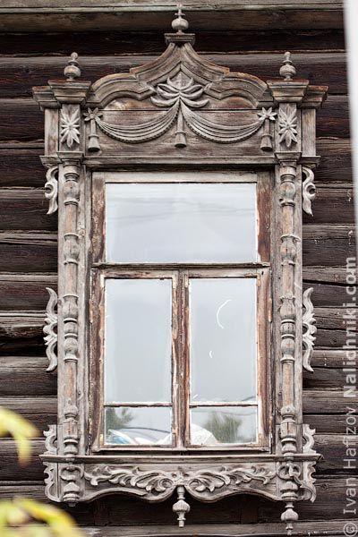 Томск, деревянный оконный наличник №1.  Russian window.