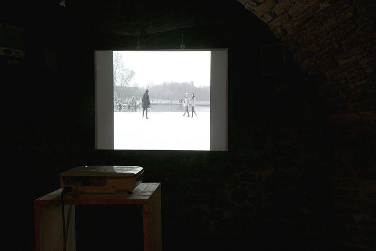 https://flic.kr/p/Ca4sCc | Samson Kambalu: Nesnesitelná lehkost filmů Nyau | výstava, Galerie U Mloka, Olomouc 3. 12. 2015 – 11. 1. 2016  ► www.pifpaf.cz/cs/samson-kambalu-nesnesitelna-lehkost #paf2015 #animaceanimace  _foto: Tomáš Hrůza