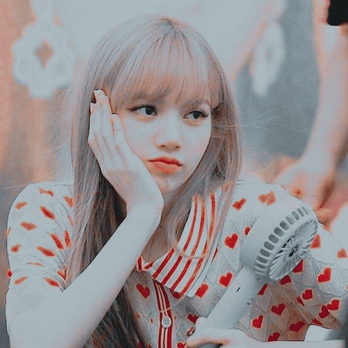lisa manoban blackpink aesthetic icon