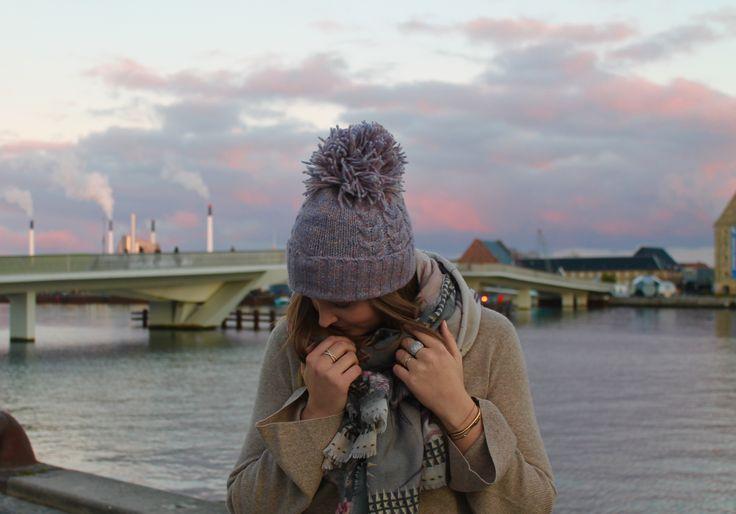Raven sweater in Linnen and Otelia hat in Sunrise // AW16 // La Femme Allure // Akila scarf in Trance // FW16 // Eclipse // Dea Kudibal