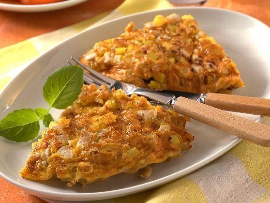 Das leckere Rezept für Hähnchen-Nudelomelett mit TomatensalatRezepte und weitere Diät Rezepte entdecken auf precon.de