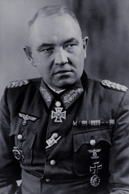 Generalleutnant Siegfried Thomaschki (1894-1967), Kommandeur 11. Infanterie Division, Ritterkreuz 01.11.1942, Eichenlaub (299) 11.09.1943