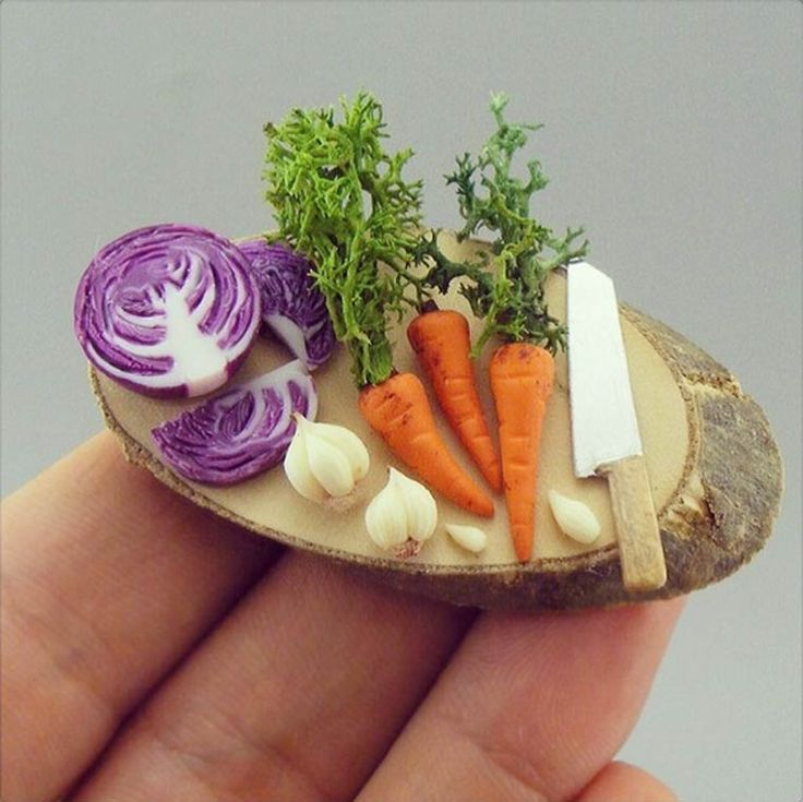The miniature culinary creations of Shay Aaron, who shares on Instagram his dishes, so tiny yet very realistic, from the hot dog to fried chicken through cr
