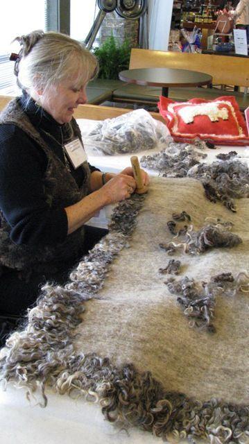 Валяние из шерсти | FELTING | Сундук с шерстью