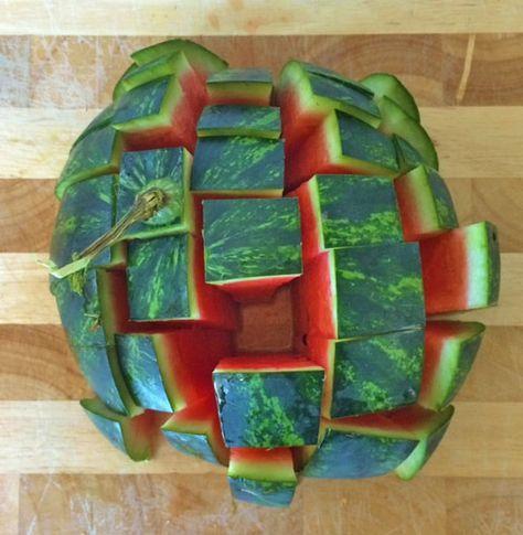 Wassermelonen Sticks ganz einfach schneiden