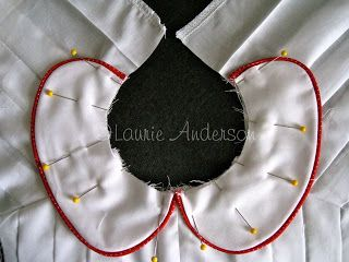 My favorite peter pan tutorial. (Isn't the piping adorable?!) SewNso's Sewing Journal: {How to attach a Peter Pan Collar}