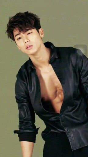 Look at his body! I say grrr | Kang Min Hyuk - CNBLUE