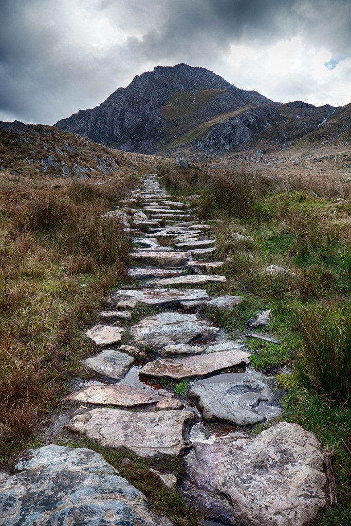 Tryfan, Snowdonia, Wales by stuleeds