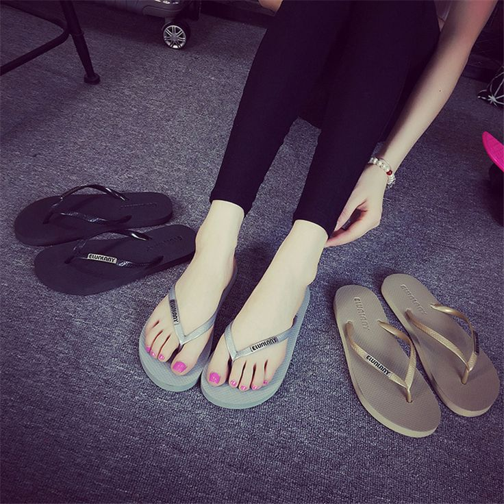 Summer Style Hot Sale Cool Simple Women Slippers Designer Flip Flops Beach Slippers Women Shoes Casual Sandals Zapatos