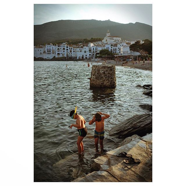 Evening Swimmers In Cadaques Catalunya Catalunya Sea Sunset Girona Travel Travelphotography Instagram