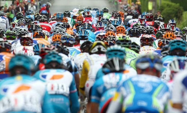 Los paseos de carga, el 6 de julio de 2008, durante la segunda etapa de 164,5 km del Tour de Francia