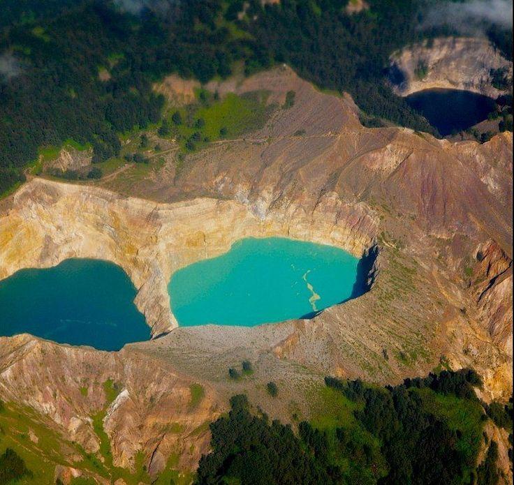 Kelimutu, East Nusa Tenggara | Three-colored lakes of the same crest.