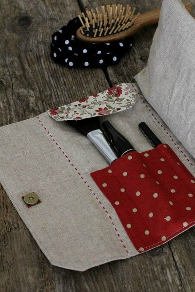 Linen make up brush roll