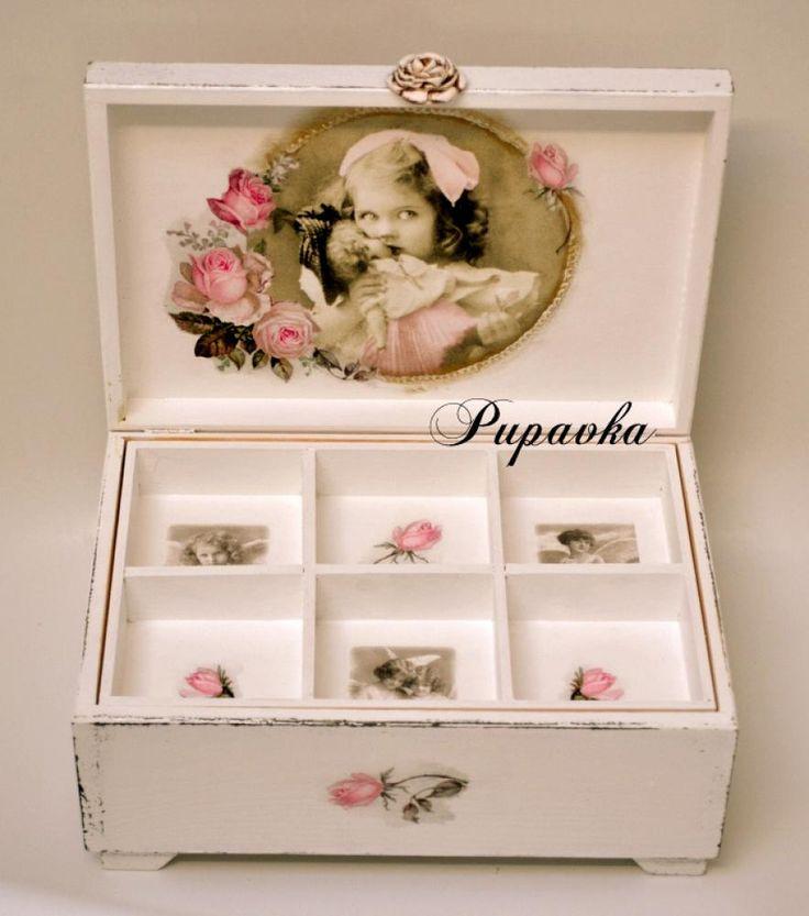 Nábytok - Dievčatko s bábikou - 3931816_