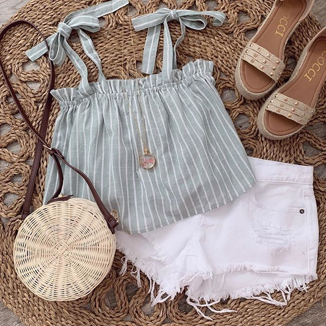 Sunday funday #outfit 👒 Mabel top + Gigi shorts for today's #ootd • shop ...